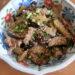 豚バラとなすのたれつゆ炒めときのこと大葉と温泉卵のせ豆腐 山本ゆりさんのレシピ
